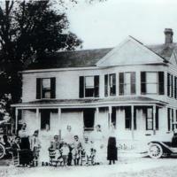 Walter Turner Family 1918.jpg